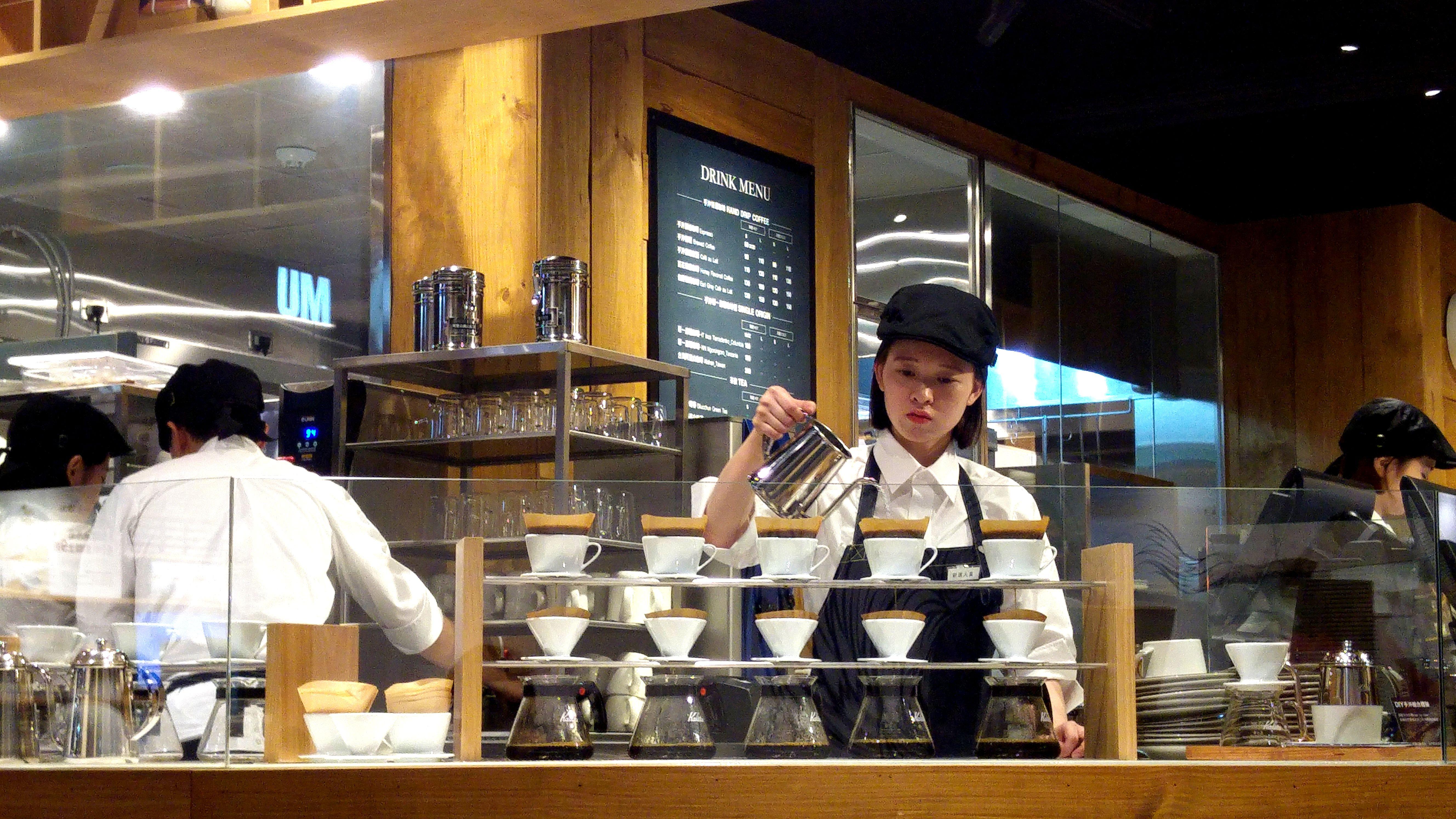 【行遍天下】全球首間生活選書結合手沖咖啡,Café MUJI身心靈補給