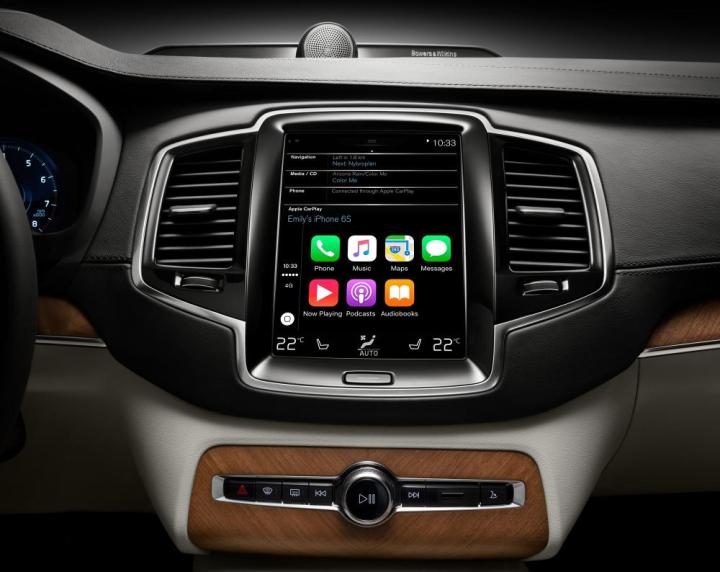 172861_Apple_CarPlay_in_Volvo_XC90.jpg