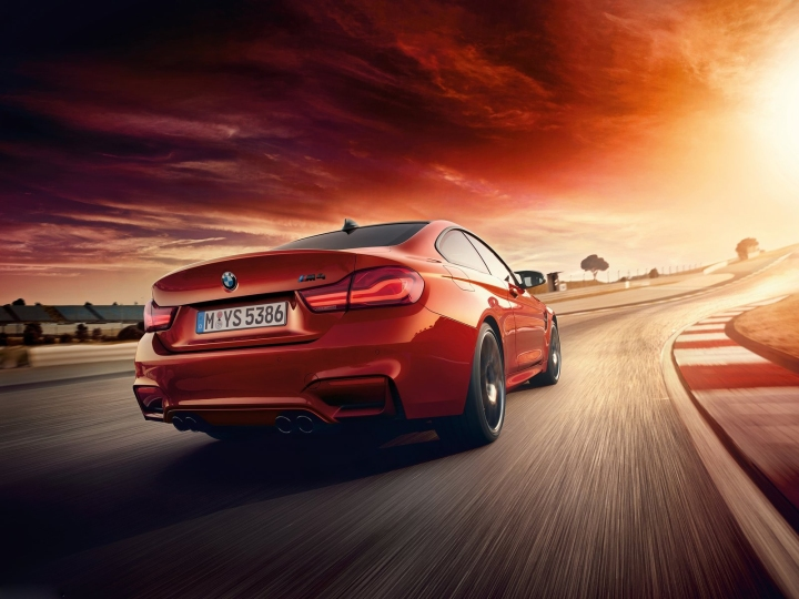 BMW-M4_Coupe-2018-1600-03