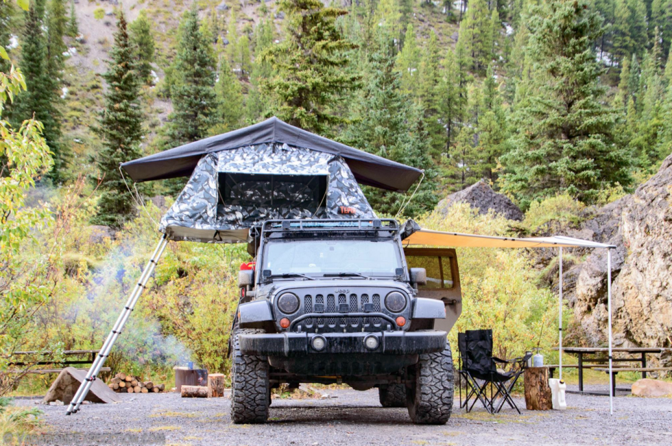 【露營】露營好夥伴,8款車頂帳大點評