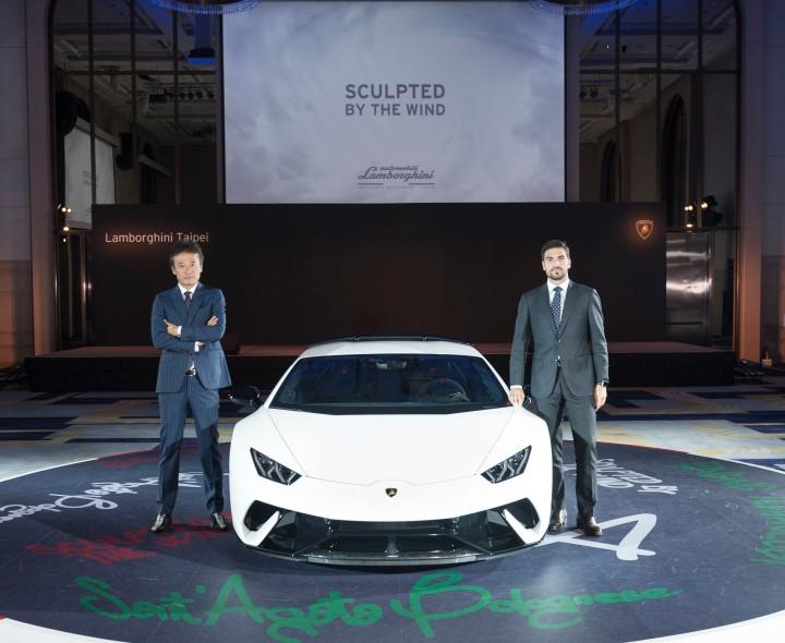 左-Lamborghini Taipei總經理趙一葵 右-Automobili Lamborghini亞太區銷售經理Davide Sfrecola.jpg