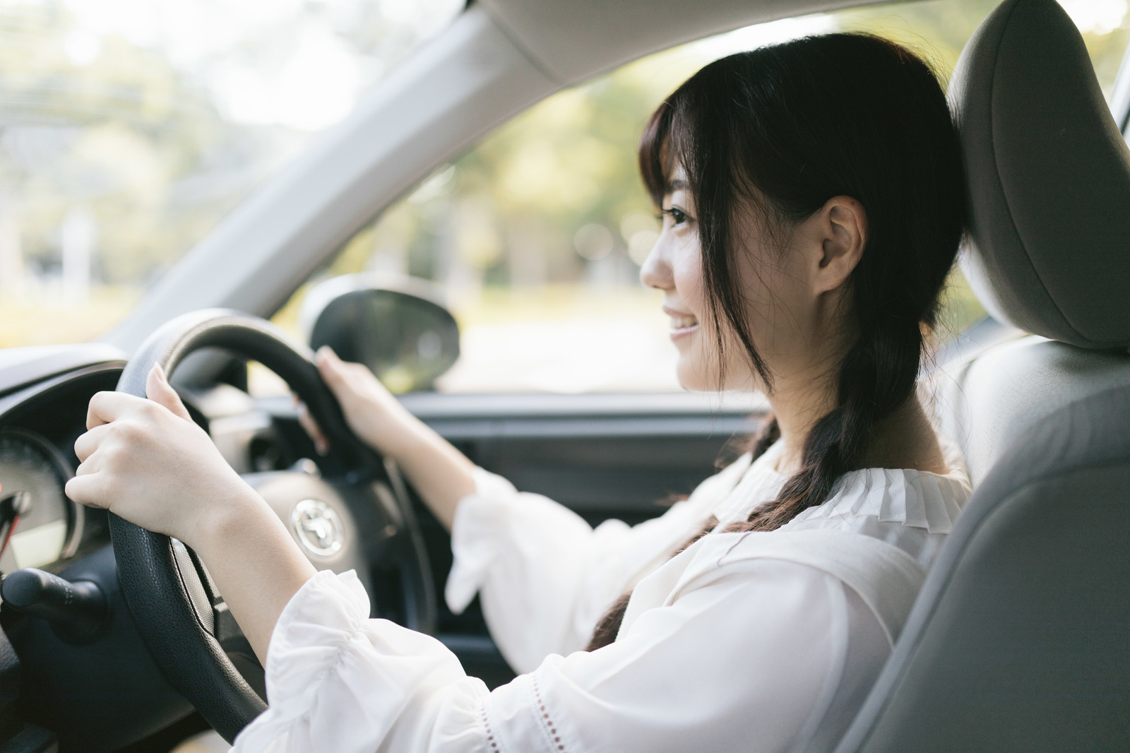 【二手車】好開省錢外型漂亮,選小車治療新手上路恐懼症