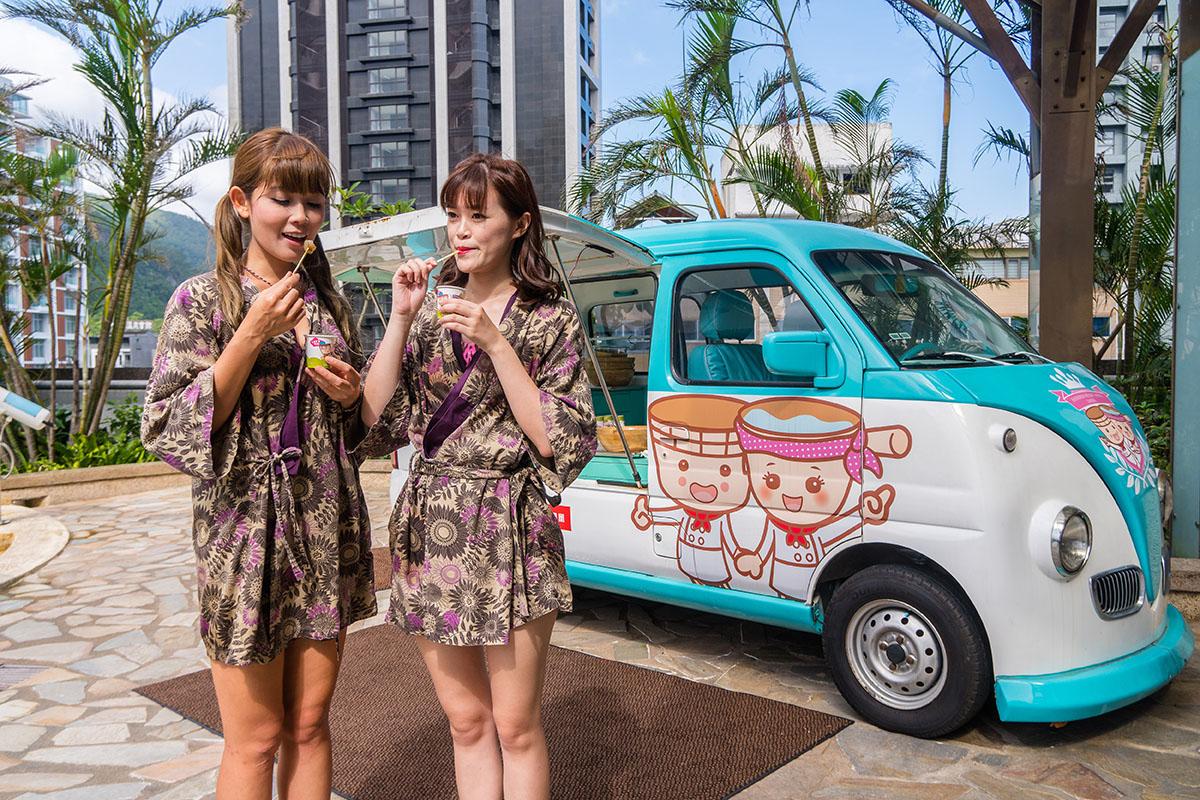 05池畔胖卡車在下午茶時間提供日式蕨餅,搭黑糖蜜與芝麻花生粉超讚。