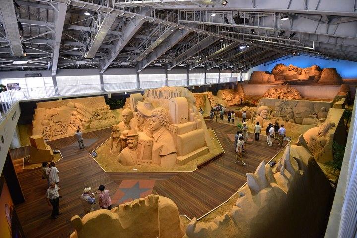 06砂丘美術館每年都會更換主題,2017年是10周年慶,主題以沙雕發源地美國為背景。