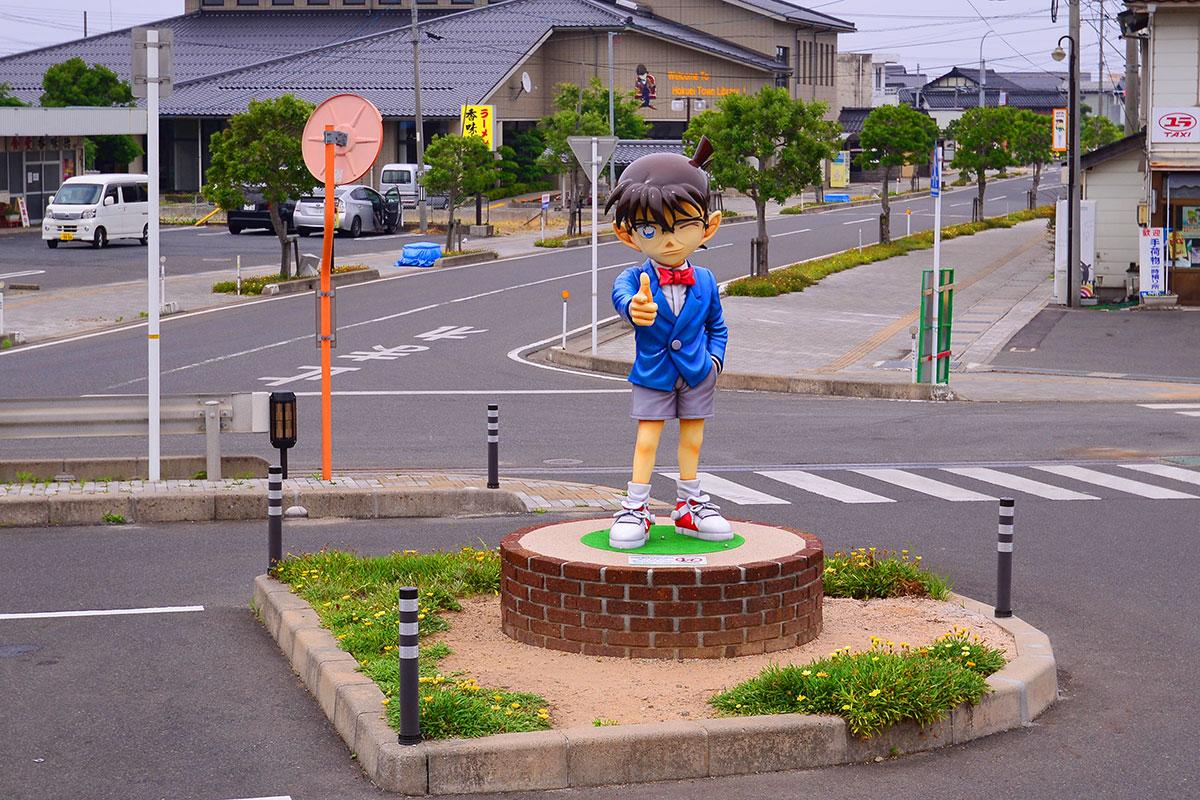09由良町已經變成柯南小鎮,處處是柯南的雕像。