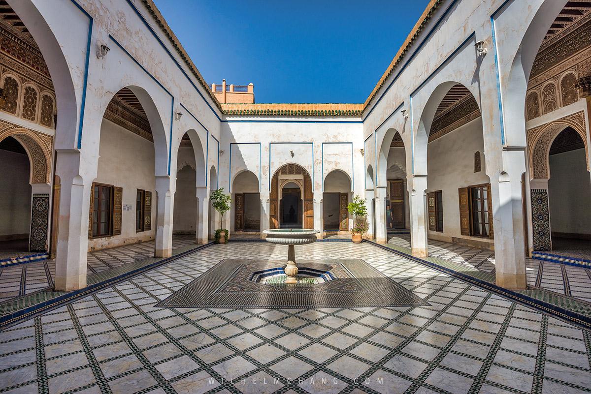 02.Palais de la Bahia巴伊亞王宮位於馬拉喀什,簇擁著眾多花園的一座典雅宮殿,建於十九世紀末,在當時是摩洛哥最大最宏偉的宮殿建築。