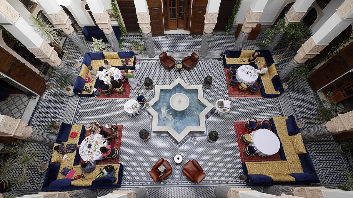 04.內行人在摩洛哥一定要入住傳統庭院住宅改建的Riad,真正走進摩洛哥人的生活。