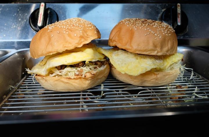 05.打拋豬漢堡 55元